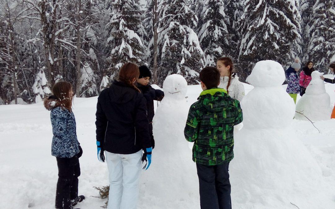 Današnje ustvarjanje na snegu s skupino pohodnikov iz 8. in 9. razreda